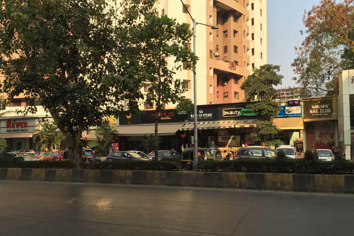 restaurants in oshiwara