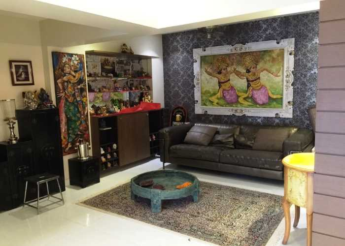 High End Homes in Versova