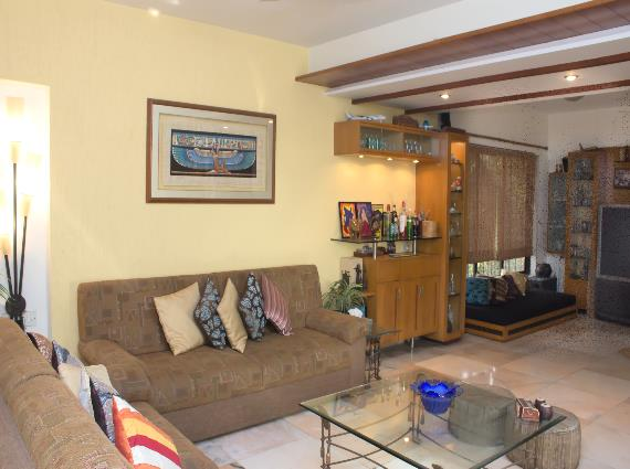 4 Bed Apartment in Mumbai