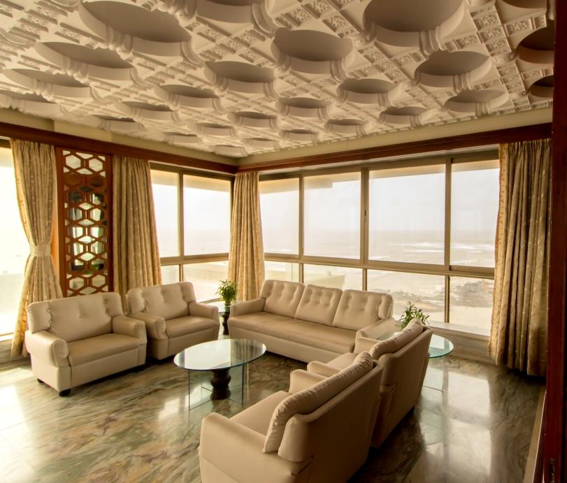 Luxury Flats in Breach Candy