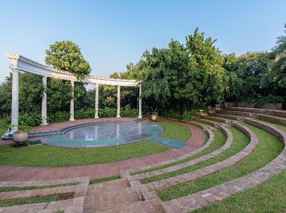 Luxury Realtors Agents Versova