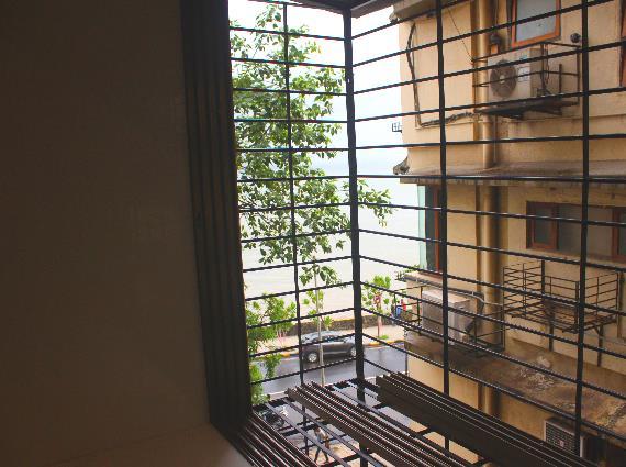 3 BHK Flats in Walkeshwar Sale