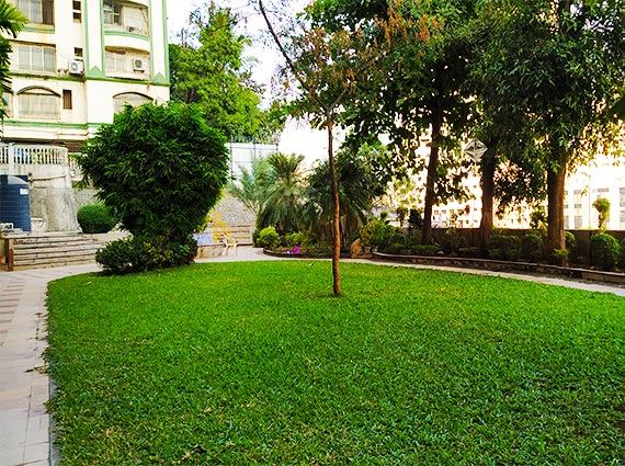 Beautiful Flats Available for Sale Malad East