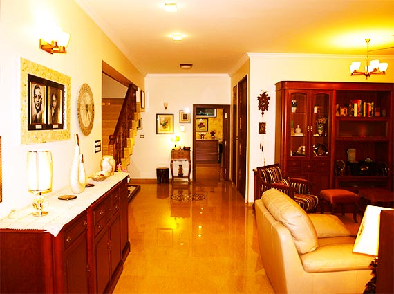 Luxury Furnished Homes Lavelle Road