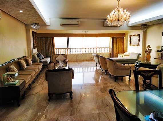 Luxury Homes Near Priyadarshini Park