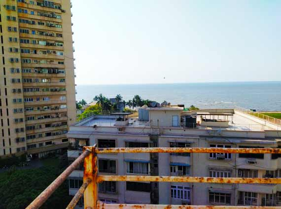 Sea Facing Apartments Near Priyadarshini Park