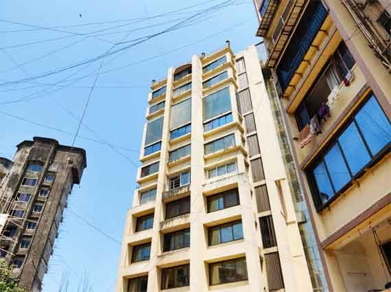 Arjuna Towers Bandra West duplex 4 bhk