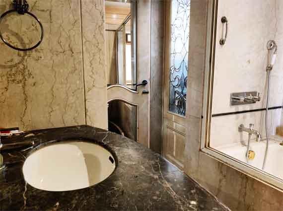 4 washrooms duplex 4 bhk bandra west