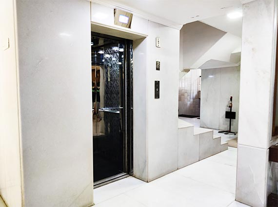 chand terraces bandra house for sale