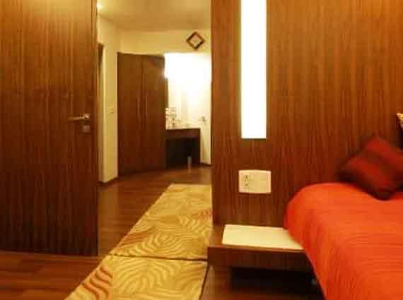 4 BHK Duplex Apartment Andheri West
