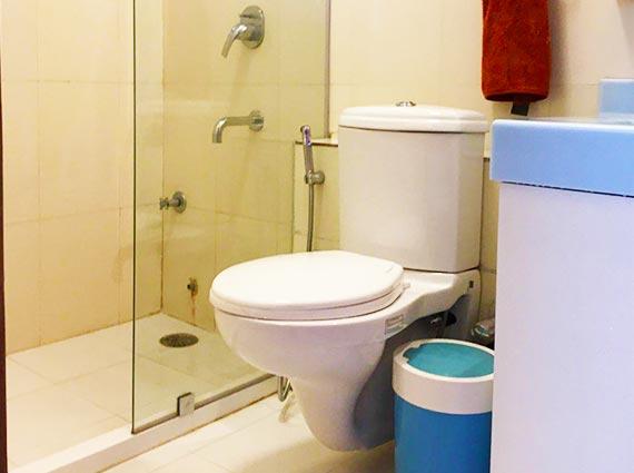 Bathroom Deecon Valley Aparment