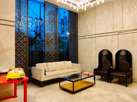 luxurious lokhandwala apartment for sale