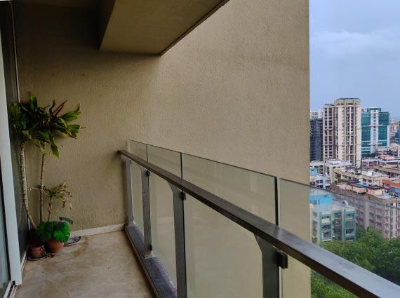 luxurious 4.5 bhk apartment on sale andheri