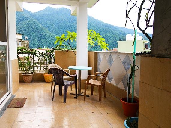 Beautiful Terrace Moutain View Rishikesh