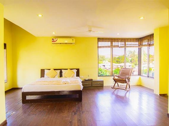 minimal interiors at 4 bed villa